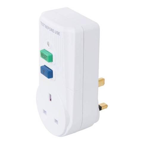 Disjoncteur différentiel actif avec prise GB 13 A